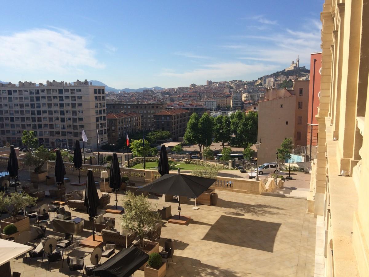 Blick von einer der Terrassen über Marseille