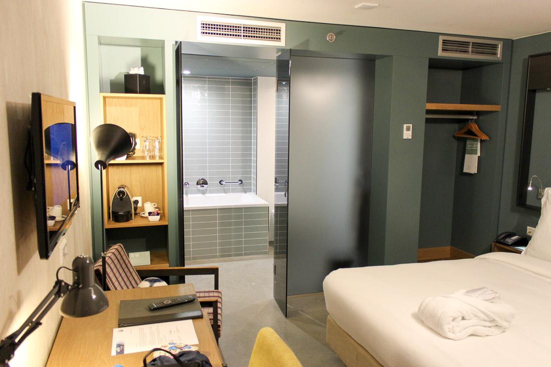 Ohne Fenster: Hotel De Hallen