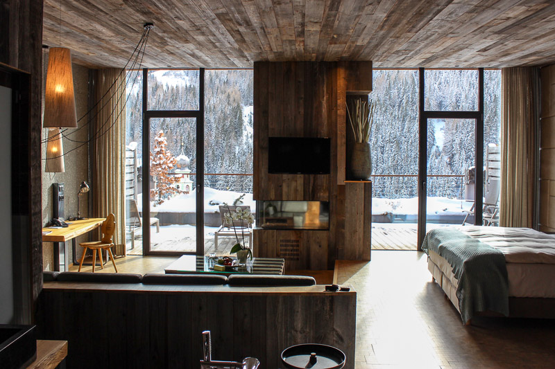 Hotel fanes in st. kassian: luxus moderne und tradition im natura